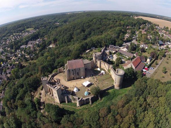 Chateau_de_la_Madeleine_Chevreuse