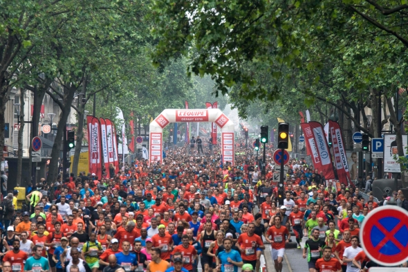 10Km l'Equipe Paris 2016 - 29/05/2016 – Paris – France – Le depart des concurrents